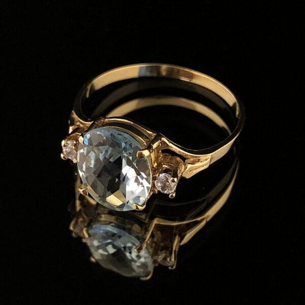 Pierścionek złoty z naturalnym topazem