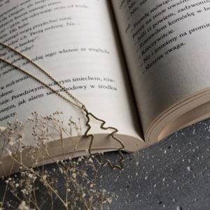 Naszyjnik srebrny pozłacany z motywem liścia.
